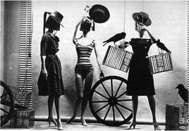 Allestimento tematico di una delle vetrine di Bazaar di King's Road, 1965