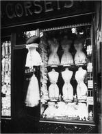 Vetrina di una Boutique parigina degli anni Venti