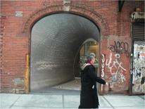 Future System, negozio di New York di Comme des Garçons,1999, ingresso su strada privo di insegne della marca