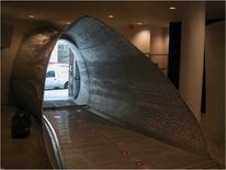 Future System, negozio di New York di Comme des Garçons, 1999, passerella di ingresso interna al negozio