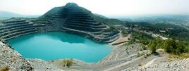 Miniera di amianto a Balangero (Piemonte). Fonte: ispesl