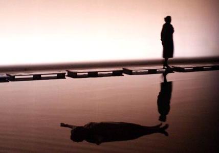 Kát'a Kabanová, scene di Patrick Kinmonth, Teatro alla Scala di Milano, 2006. Fonte: foto di Marco Brescia