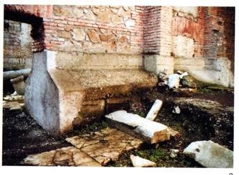 Allargamento della superficie con sottomurazione in c.a., fondazione dell'Accademia di S. Luca, via dei Fori Imperiali a Roma
