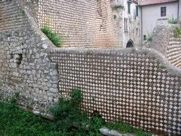 Terracina, particolare di murature miste
