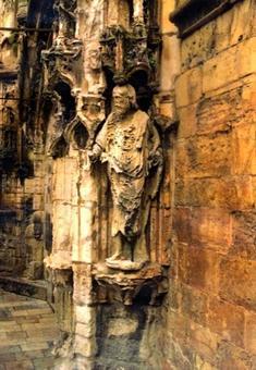 Lisbona, Monastero dos Jeronimos, portale di ingresso alla chiesa, fenomeni di alveolizzazione e dilavamento