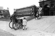 Milano, Piazza Duomo, la rampa realizzata alla fine degli anni Sessanta