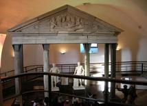Museo archeologico del castello di Baia, Bacoli (NA), la rampa inserita nel percorso espositivo