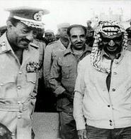 Il Presidente egiziano Sadat (successore di Nasser) e il leader dell'OLP Arafat nel 1973