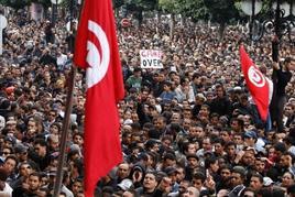 Manifestazione popolare a Tunisi il 14/01/2011 giorno della fuga di Ben Alì. Fonte: Agenzia stampa  quotidiana nazionale