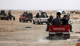 Toyota Land Cruiser modificate e armate dai ribelli libici