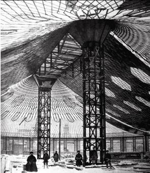 La sala ovale all'esposizione Nijni Novgorod, 1896. Ingegnere Vladimir Choukhov