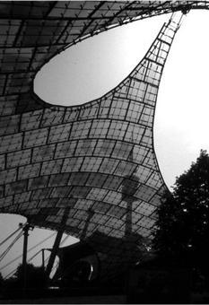 La copertura del complesso olimpico di Monaco di Baviera. Architetto Frei Otto