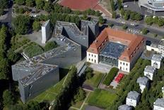 Il Museo nell'intorno urbano (foto di Guenter Schneider, dal sito Web dello Studio Libeskind. Image courtesy of Studio Daniel Libeskind.