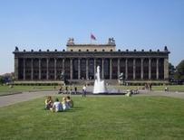 L'Altesmuseum di K. F. Schinkel sul Lustgarten a Berlino (foto di Manfred Brückels da   Wikimedia Commons).
