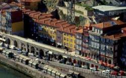 Aggregazione elencale a Porto (Portogallo).
