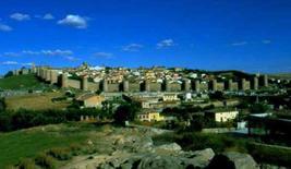 Le mura  del centro storico di Ávila (Spagna).