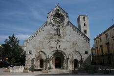 La Cattedrale, il campanile, il sagrato (Sacred Destination, west  facade foto da  Flickr).