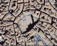 Siena, Piazza del Campo, da Google Earth, 304 m. di altezza.