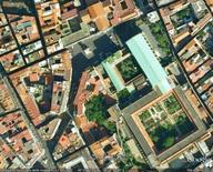 Napoli, Piazza del Gesù, da Google Earth, 304 m. di altezza.