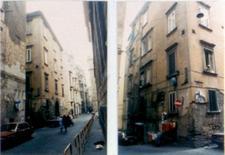 Palazzo con chiostrina nei Quartieri Spagnoli.