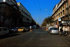 L'inizio del tratto rettilineo di via Foria, provenendo da Piazza Cavour.