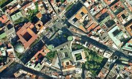 L'area di progetto e il suo intorno urbano (da Google Earth).