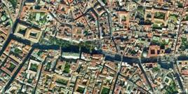 Piazza Cavour e il primo tratto di via Foria,  tra il Museo Archeologico e la Galleria Principe di Napoli e tra la chiesa di S. Carlo all'Arena e la Caserma Garibaldi (da Google Earth).