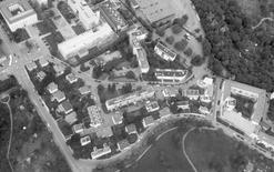 Weissenhofsiedlung, Stoccarda, Germania, foto aerea 2004 (foto di Veit Mueller e Martin Loseberger da Wikimedia Commons).