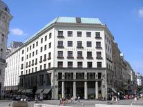 Terza facciata sulla Michaelerplatz (foto di Gryffindor da Wikimedia Commons).