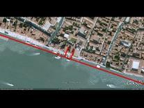Canale della Giudecca: l'edificio nella sequenza (da Google Earth, 541 m. di altezza).