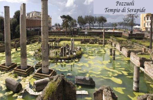La famiglia dei Sulpicii, banchieri, a Pompei aveva un magazzino, ma era attiva a Puteoli, ricco e fiorente porto della Campania. Pozzuoli, cd. Tempio di Serapide, foto di Francesca Reduzzi.