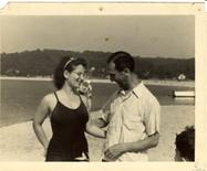 Salvador Luria (con la moglie Zella). Fonte Wikimedia