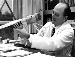 Seymour Benzer. Fonte: wikipedia