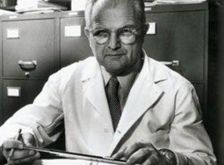 Milislav Demerec (1895 –1966). Foto da Cold Spring Harbor Laboratory Archives