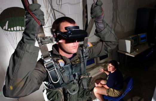 Un esempio di impiego della Realtà Virtuale (Fonte:  Wikimedia)
