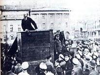 Lenin con Trockij e Kamenev (1920). Fonte: Wikipedia.