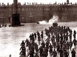 Assalto al Palazzo d'Inverno degli zar a Pietroburgo. Fonte: Wikipedia.