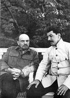 Lenin e Stalin nel 1924. Fonte: Wikipedia.