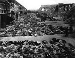 Cadaveri trovati dopo la liberazione nel campo di concentramento della Gestapo vicino a Nordhausen. Fonte: Wikipedia.