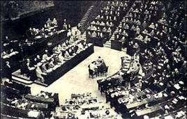 Prima seduta dell'Assemblea Costituente nel 1946. Fonte: Wikipedia.