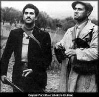 Salvatore Giuliano e Gaspare Pisciotta. Fonte: Wikipedia.