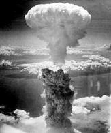 La bomba atomica su Nagasaki, il fungo raggiunse i 18 km di altezza. Fonte: Wikipedia.