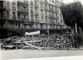 Barricate dei francesi di Algeria nel 1960. Fonte: Wikipedia.