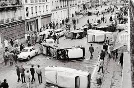 Barricate del 3 maggio a Parigi. Fonte: Wikipedia.