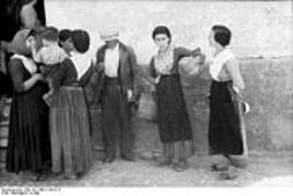 In un paese del Mezzogiorno nel 1943. Fonte: Wikipedia.