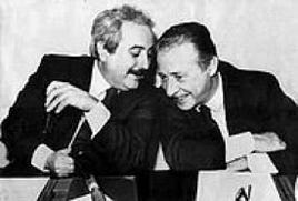 Giovanni Falcone (1939-1992) e Paolo Borsellino (1940-1992). Fonte: Wikipedia.