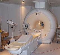 Apparecchio per Risonanza Magnetica. Fonte: Wikimedia Commons