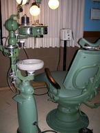 Studio dentistico degli anni '40. Fonte: wikimedia