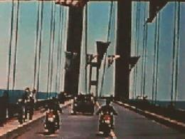 Crollo del ponte Tacoma Narrows nel 1940. Fonte: Technorati