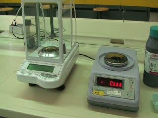 Preparazione di una soluzione per pesata.